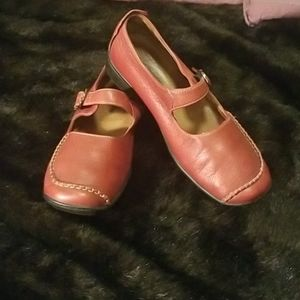 Red Hush Puppies Leather Shoes Size 8.5 M  Mary Ja